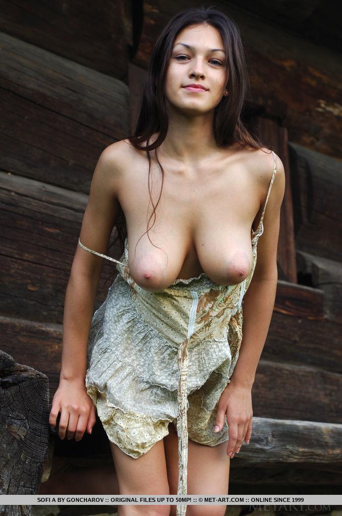 Nude sofi a Sofi A