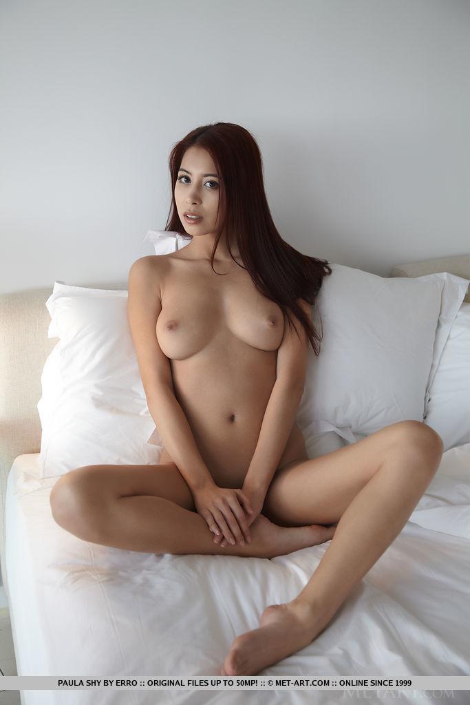 Blonde shows tits amateur