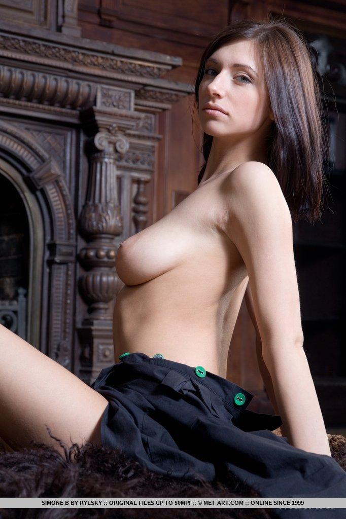 simone b nude