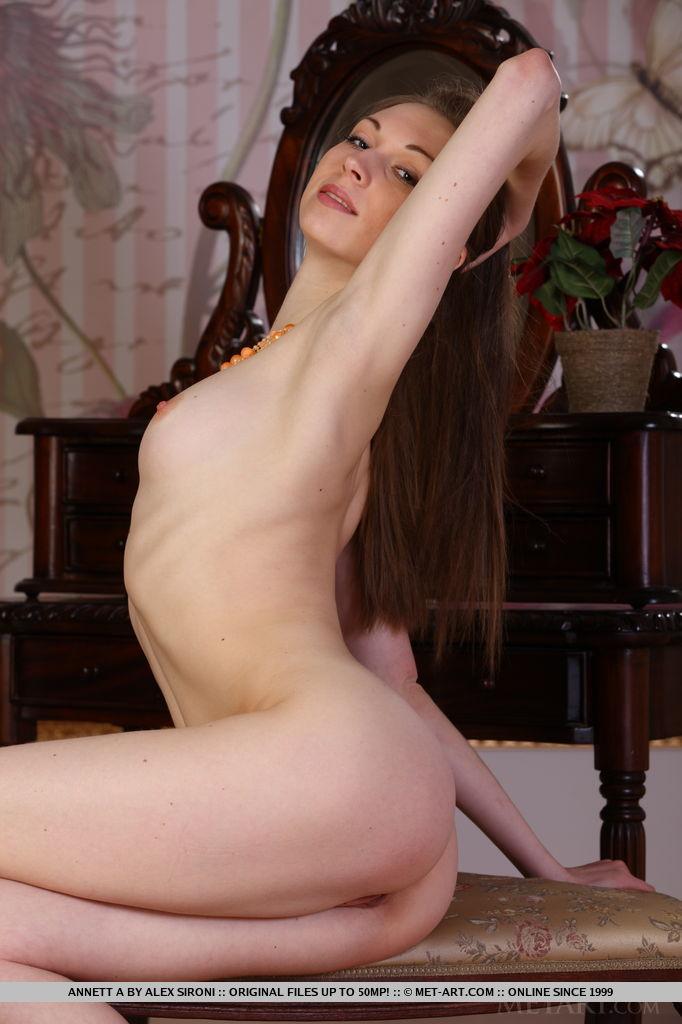 Selena gomez look alike porn star shemale