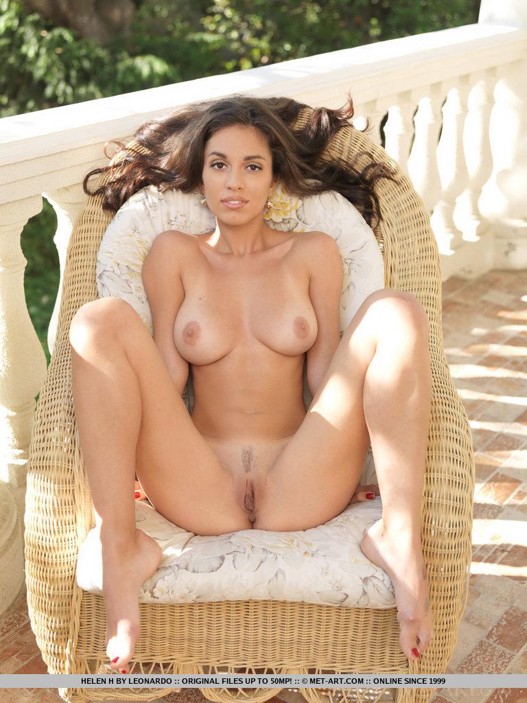 Free latinas nude art — img 14
